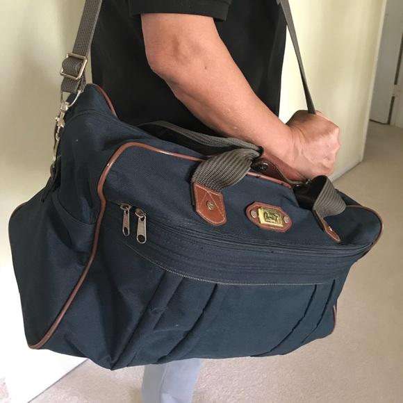Wiltshire Ricardo Beverly Hills bag. M 5a4e915bdaa8f660a100003d a7f1748499023